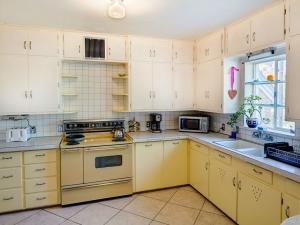 Juniper Kitchen 2